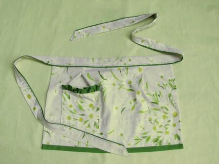 daisy apron